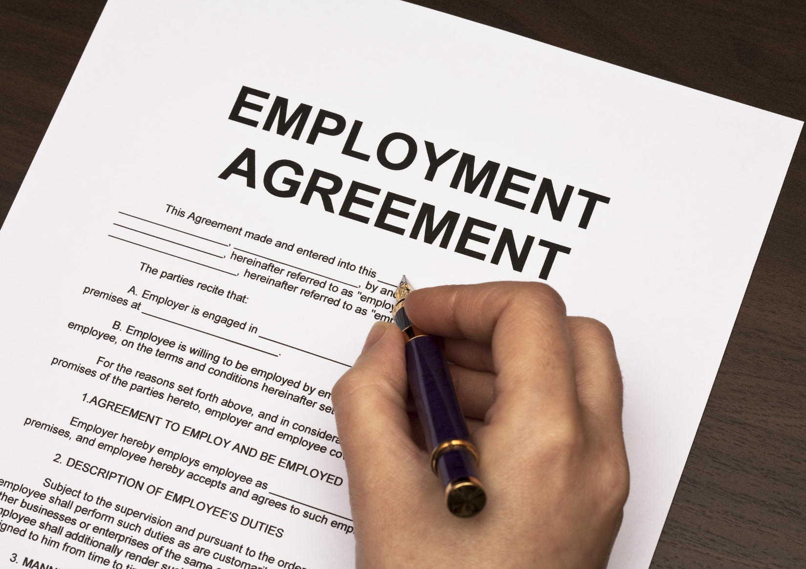 2 Common Myths About Employment Contracts